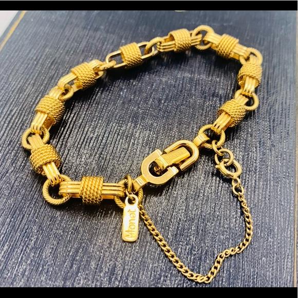 Vintage signed MONET gold chain charm bracelet